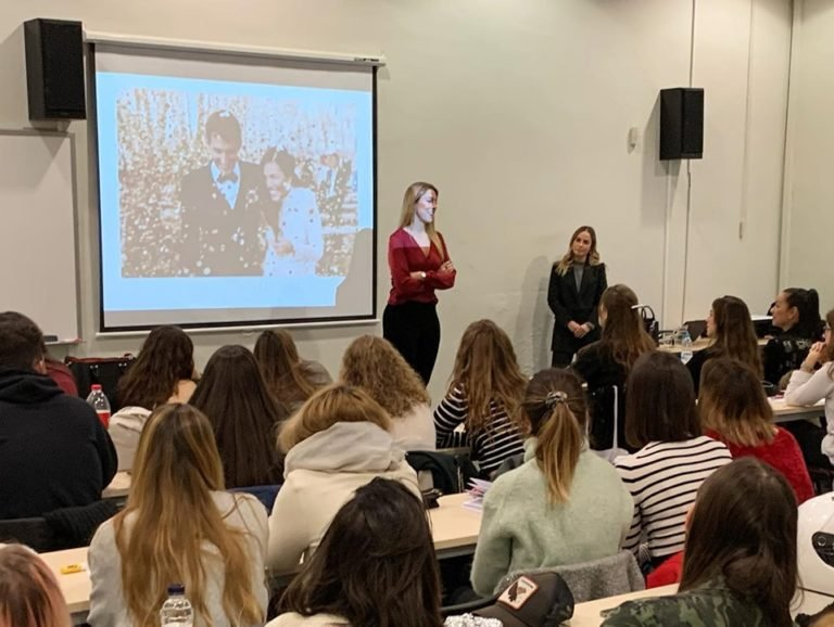 Priscila Llorens, wedding planner, imparte una conferencia en la EIP de Barcelona