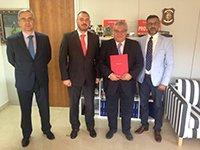 Firma de convenio entre Grupo EIP y la Guardia Civil