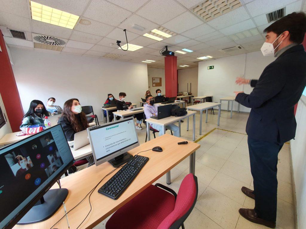 Conferencia Protocolo para alumnos de Marketing y Publicidad